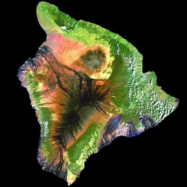 Потоки лавы последних извержений вулкана Мауна-Лоа